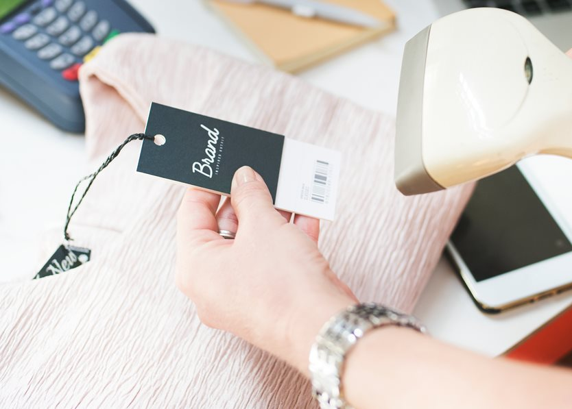 Why 1D barcodes are still in use?